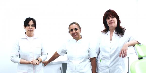 http://www.clinicamedicadentariaandreabalbino.pt/wp-content/uploads/2016/01/clinica-medica-dentaria-andrea-balbino-5-600x300.jpg