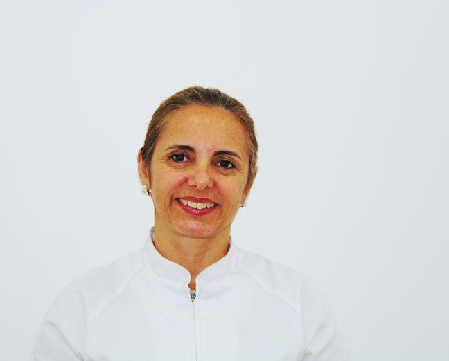 Dr.ª Andrea Dore Balbino